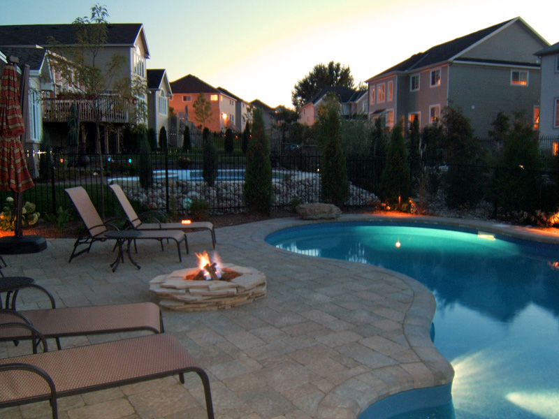 Choosing Outdoor Fire Pits in Ottawa – 5 Things to Consider